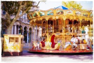 サンピエール広場の回転木馬