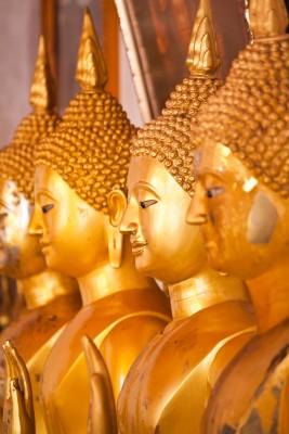 ブロンズの仏像