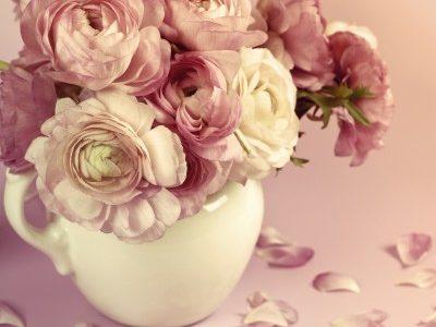 花瓶の中のバラ