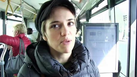 パリのバスの車内