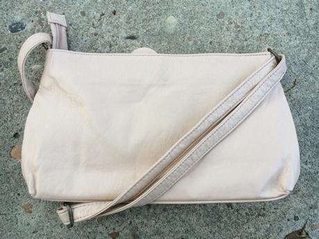 パステルカラーのバッグ