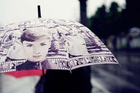 オードリー・ヘップバーンの傘